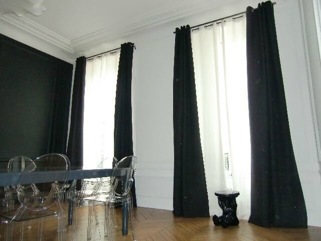 rideaux noir rideau illets en velours noir x cm vintage. Black Bedroom Furniture Sets. Home Design Ideas