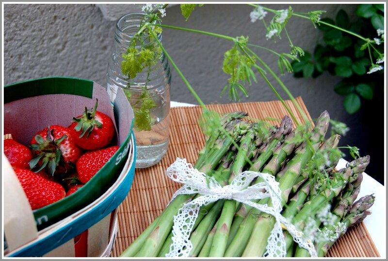 mises en scène fleur et fraises 012