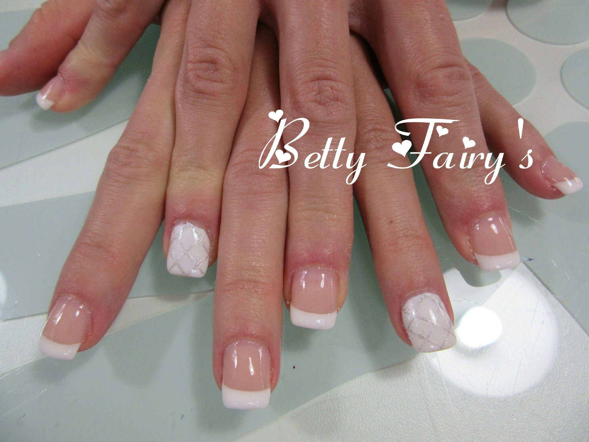 Ongle en gel french blanche - Ongle gel french ...