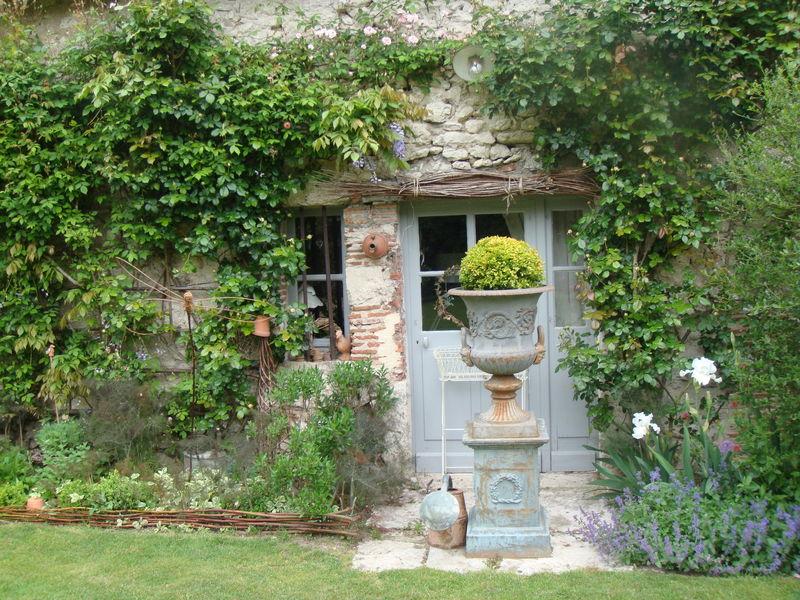 Le jardin de roquelin ou le jardin du bout du pont belette etc - Jardin maison de campagne ...