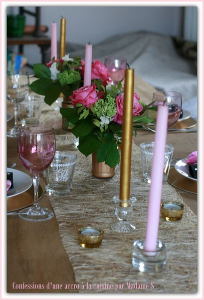 Table rose et or 006