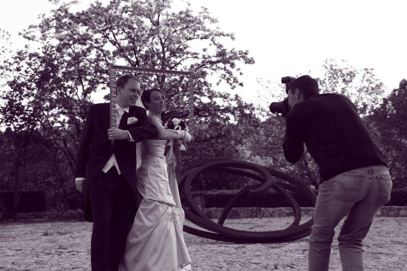 Les mariés encadrés