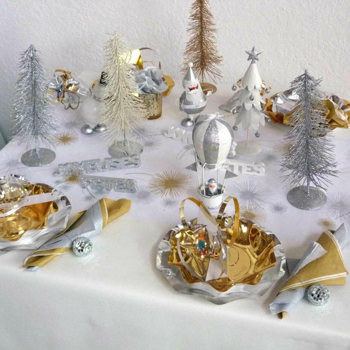 Jour de l 39 an d co de table les petites bricoles de gwenk - Decoration table reveillon jour de l an ...