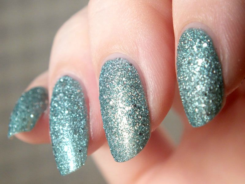 vernis-sable-claires-sand-nail-polish-bleu-paillettes-glitters-test-swatch-avis-winter-hiver-neige-ongles (3)