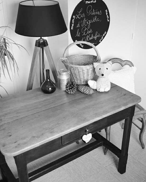 Table relookée noire