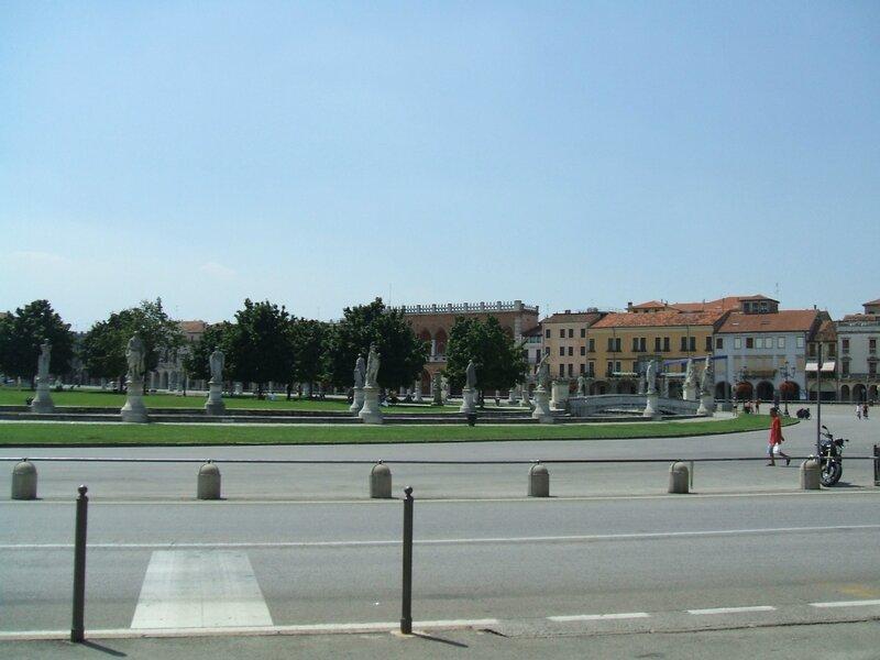 Piazza Prato della Valle 3