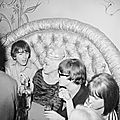 jayne-1964-08-26-hollywood-club_whisky_a_gogo-with_beatles-1