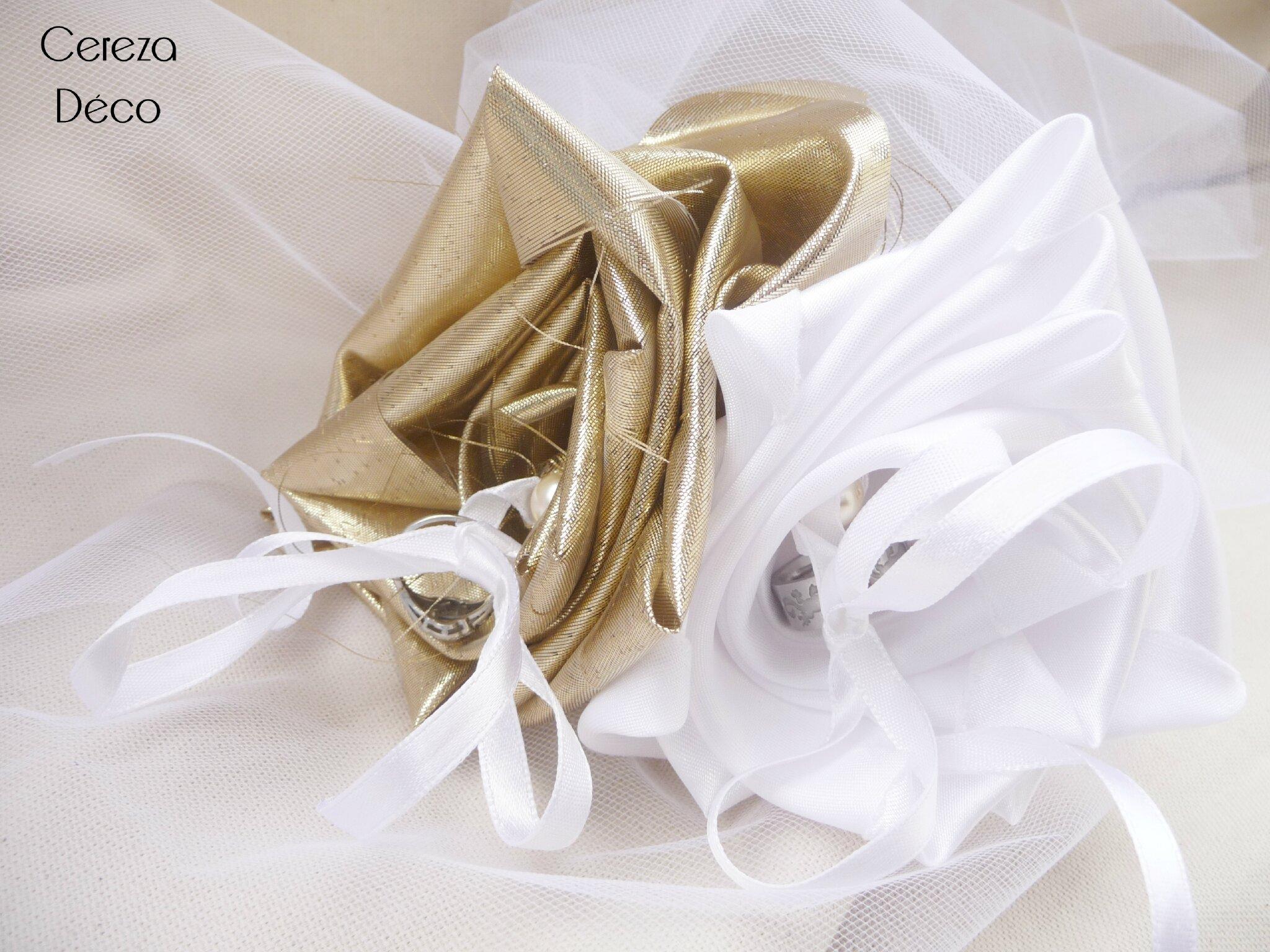 Porte alliance mariage blanc or dor fleur photo de porte alliance orig - Porte alliance mariage ...