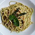 Spaghetti au bl complet, pesto d'asperges et amandes
