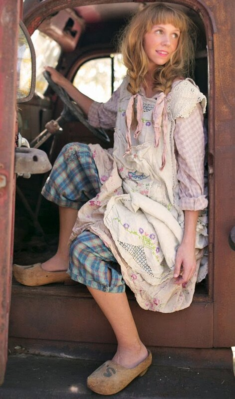 Mp Broderies and squared pants and liberty dress.01.jpg