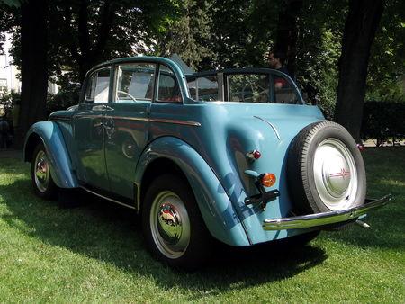 MOSKVITSCH M401 decouvrable 1950 Festival Automobile de Mulhouse 2010 2