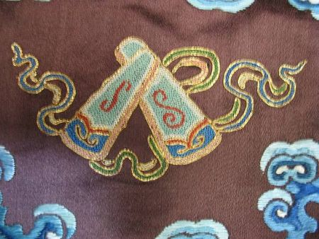 A_chestnut_silk_ground_embroidered_dragon_robe5