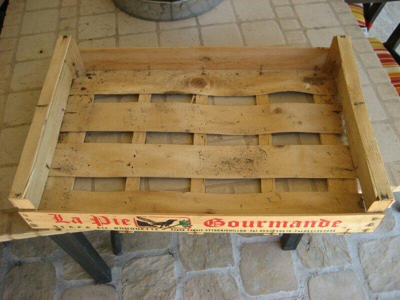 Cagette tag re la maison de bois for Cagette en bois deco