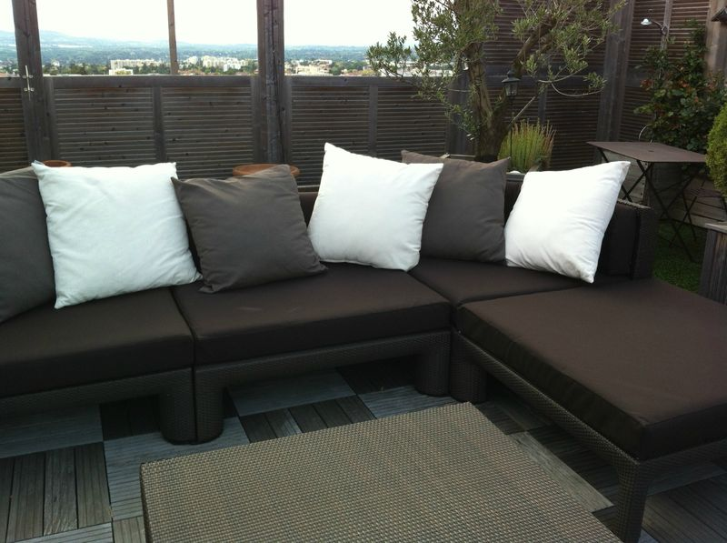 housse canape sur terrasse atelier virginie morel at home. Black Bedroom Furniture Sets. Home Design Ideas