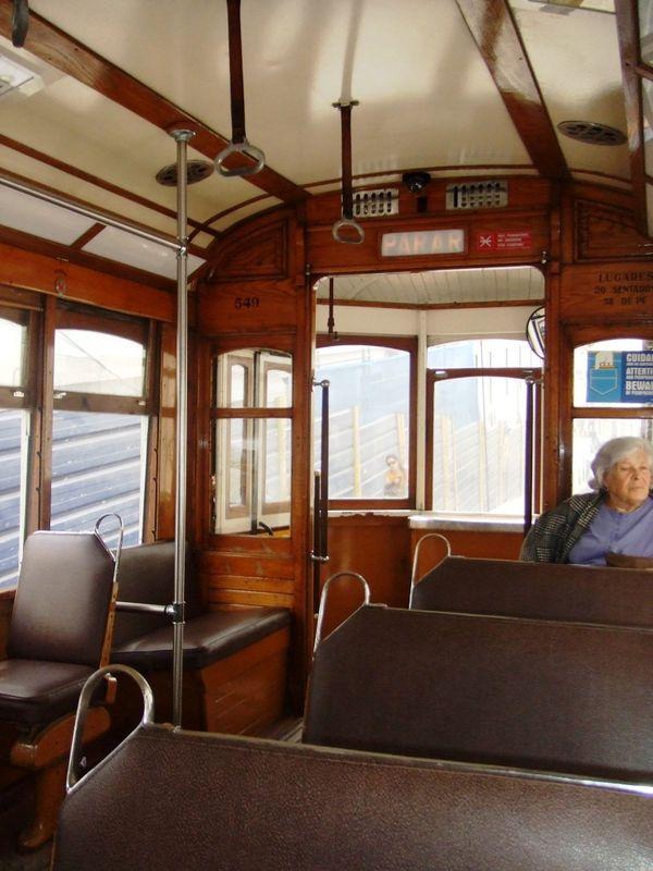 j2 tram