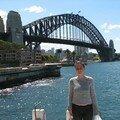 Flo devant le Harbour Bridge