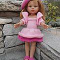 Une tenue rose pour Kelly