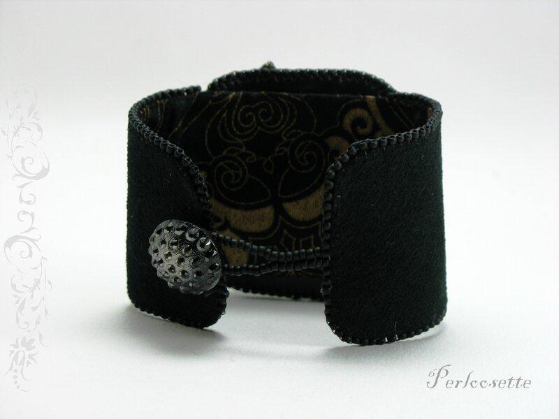 bracelet noir brodé1