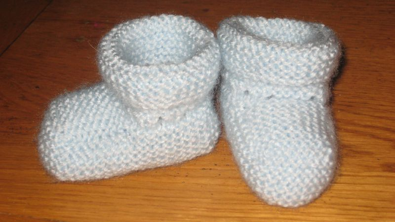 modele tricot chaussons bebe 6 mois