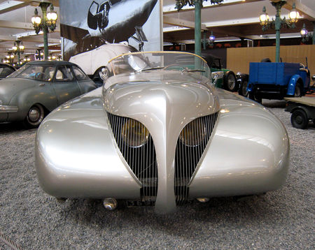 Arzens_cabriolet_la_baleine_de_1938__Cit__de_l_Automobile_Collection_Schlumpf___Mulhouse__02