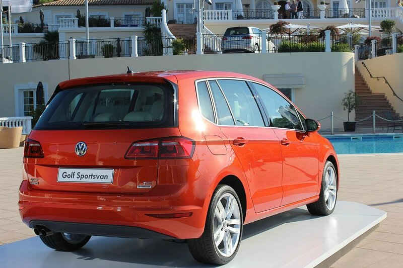 VW_Golf_Sportsvan_(14028062299)