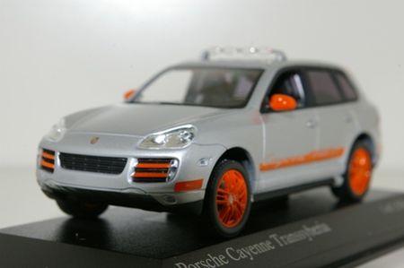 Porsche_Cayenne_S_Transsyberia_2007__grey____Minichamps