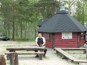 JOUR 18 Vers et à Kirkenes, camping chez Edith le 07-06-2011 (23)