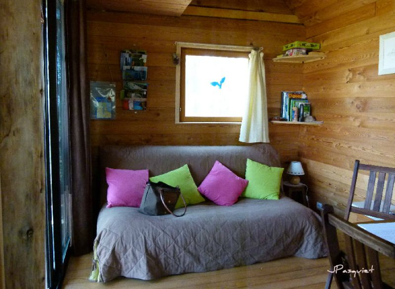 cabane interieur photo de le lac du der et la cabane aux secrets instants d 39 ann e. Black Bedroom Furniture Sets. Home Design Ideas
