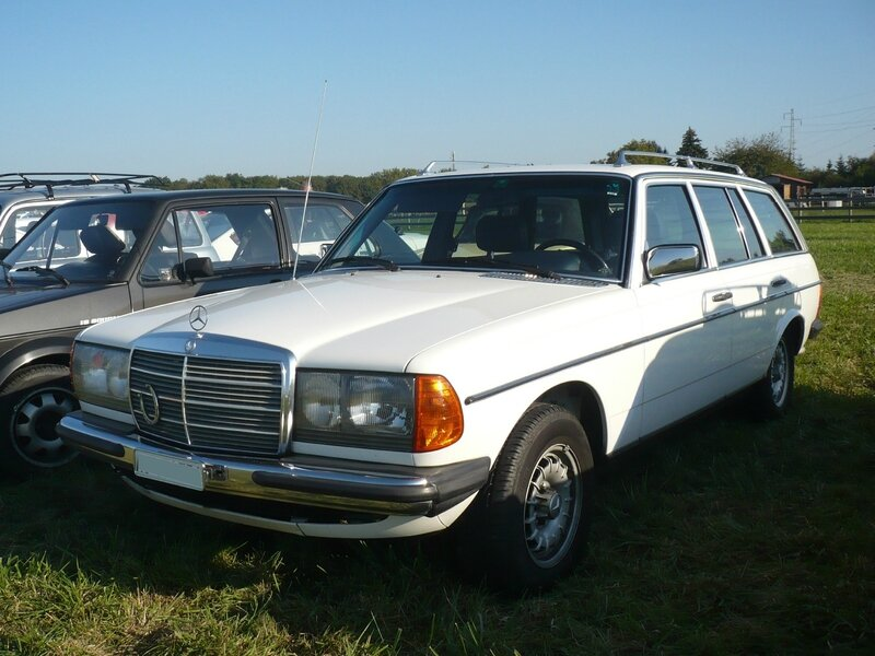 MERCEDES 300 TD TurboDiesel W123 break Lipsheim (1)