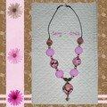 page collier rose-brun visage boule 1