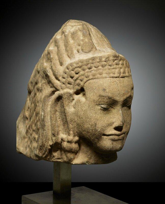 Devata, Art Khmer, style du Bayon, 12°-13° siècles