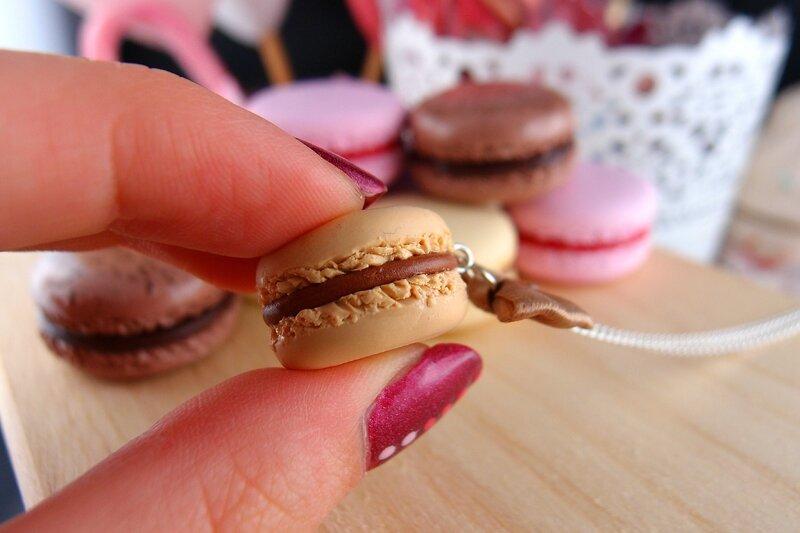 3 - 4 Macaron caramel