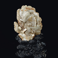 Montagne en jade céladon et rouille sculpté, chine, dynastie ming, xviième siècle