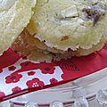 Encore des cookies : chocolat blanc et daim !
