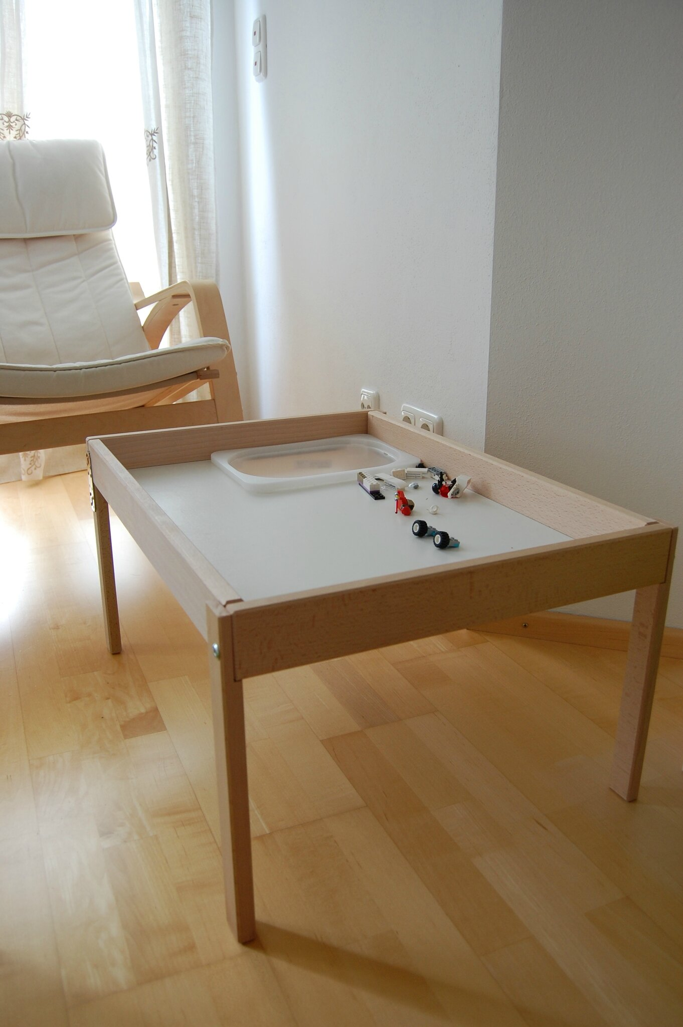 Comment fabriquer une table a langer maison design - Ikea bebe table a langer ...