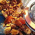 Granola salé à la pâte de sésame.