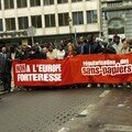 Arrive a Bruxelles une Manif est organise a la Bourse