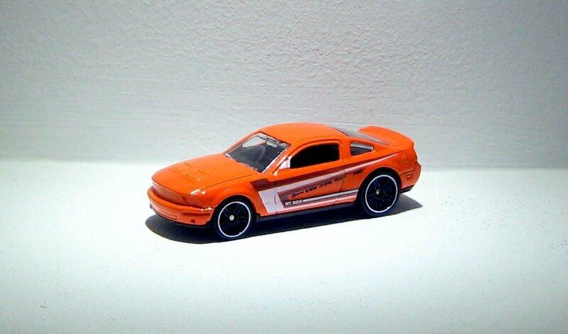 Ford mustang GT 2010 (2014)(Hotwheels)