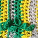 une chainette avec des tites fleurs pour ceinture