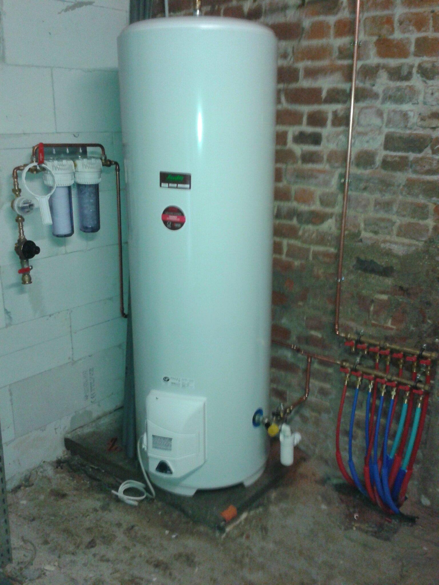 Chauffe eau install nourrice arriv e d 39 eau transformation d 39 une - Arrivee d eau chauffe eau ...