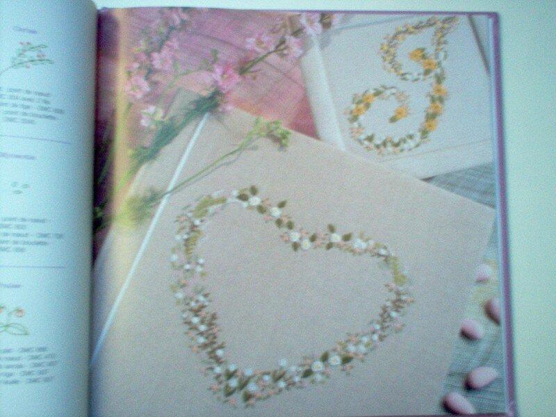 Alphabet brodé de mille fleurs 5