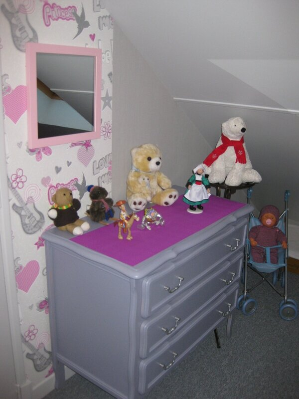 CHAMBRE 15 COIN FILLE