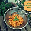 Salade d'abricots au basilic