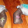 colt en tissu faits main, handmade fabric revolver (1)