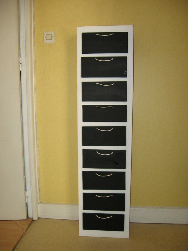 meuble domino photo de meubles en carton cartonneries. Black Bedroom Furniture Sets. Home Design Ideas