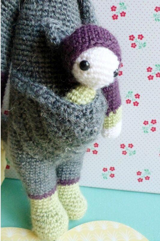 lalylala-kangourou-kira-crochet-patron-bébé