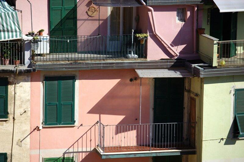 15-follow-me-white-rabbit-cinque-terre-italie-riomaggore (30)