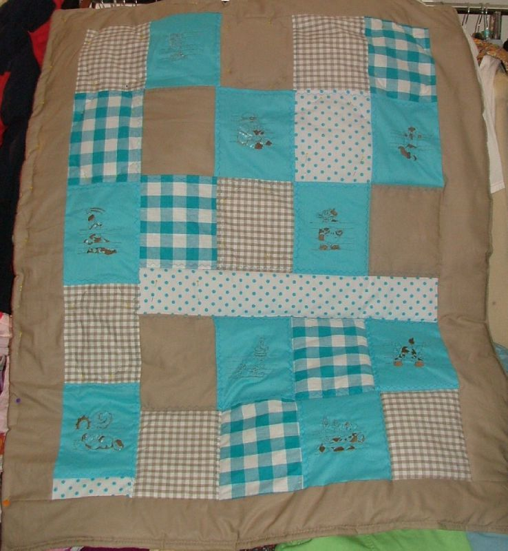 Chambre bebe turquoise et taupe - Chambre bebe turquoise ...