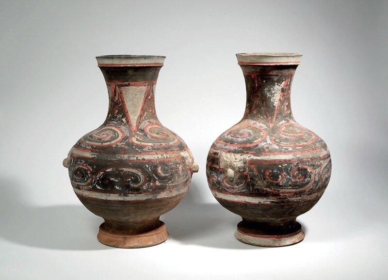 Paire de vases de forme hu, Chine, Epoque Han (206 av