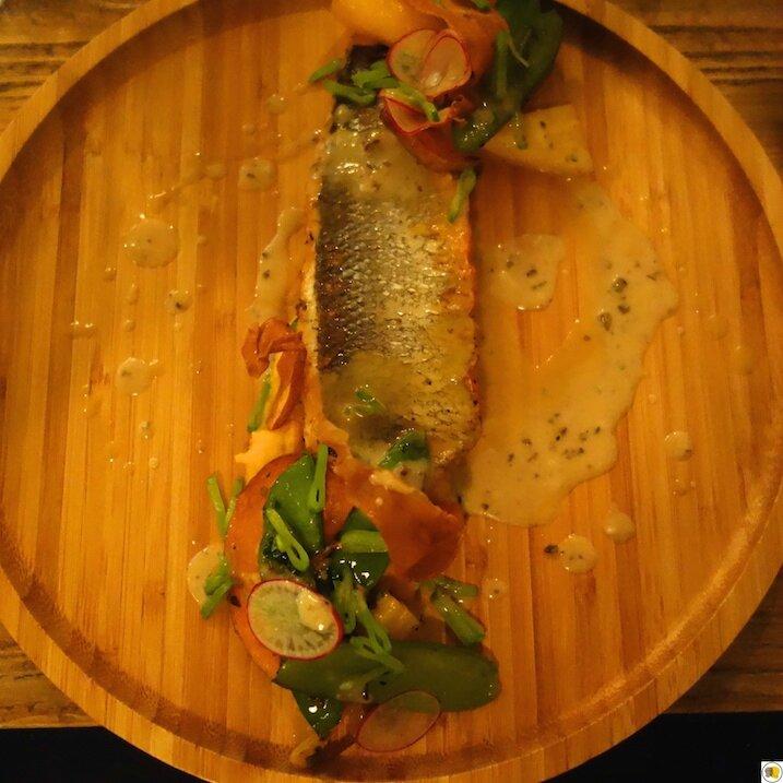 Filet de bar rôti, courge en deux façons et jus de veau aux champignons (3)